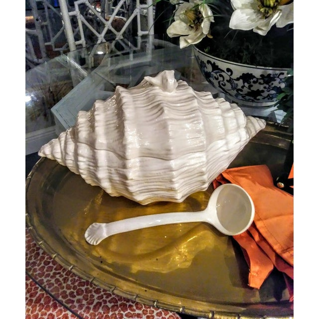 A Beautiful ceramic large white seashell soup tureen in the style of Fitz and Floyd. This tureen is really beautiful with...