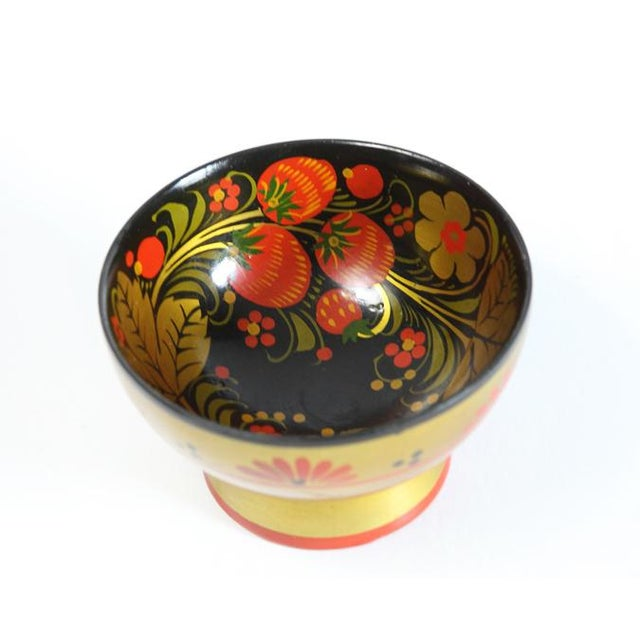 Russian Footed Strawberry Bowl - Image 3 of 6