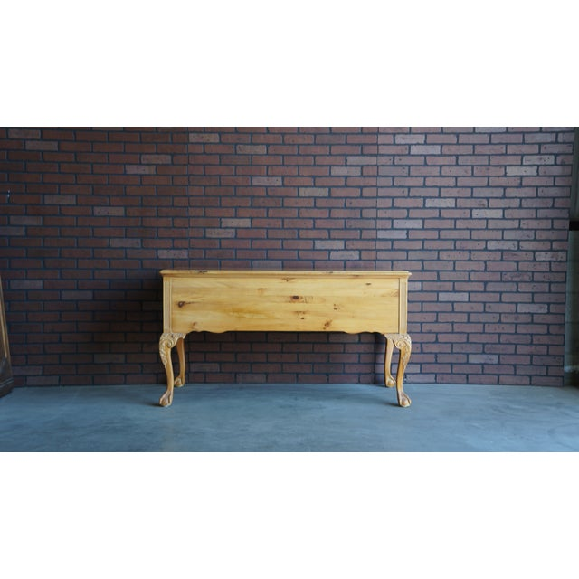 Charming Country French style pine desk. This desk features quality solid pine construction. Full depth drawers with...
