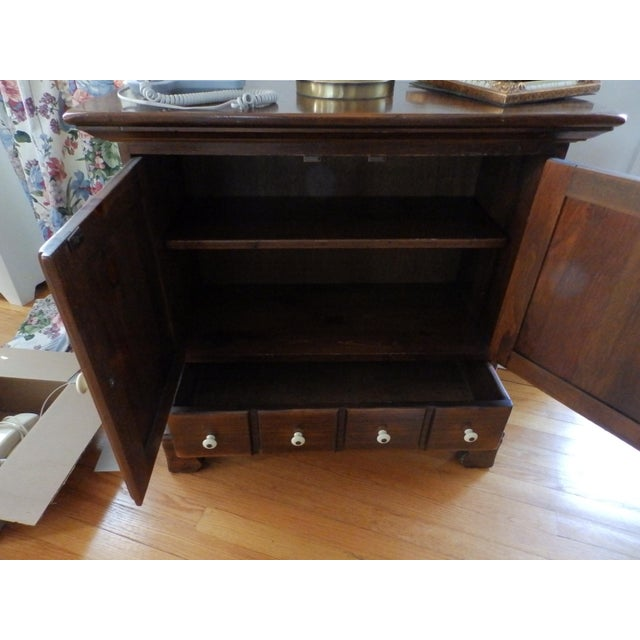 American 20th Century Early American Ethan Allen Dark Pine Old Tavern Console Cabinet For Sale - Image 3 of 5