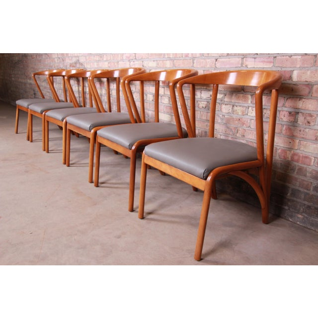 Early 21st Century Baker Furniture Mid-Century Modern Sculpted Solid Maple Dining Chairs, Set of Six For Sale - Image 5 of 13