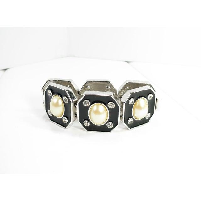 Black 1980s Ysl Yves Saint Laurent Faux Mabe Pearl & Black Enamel Link Bracelet For Sale - Image 8 of 13