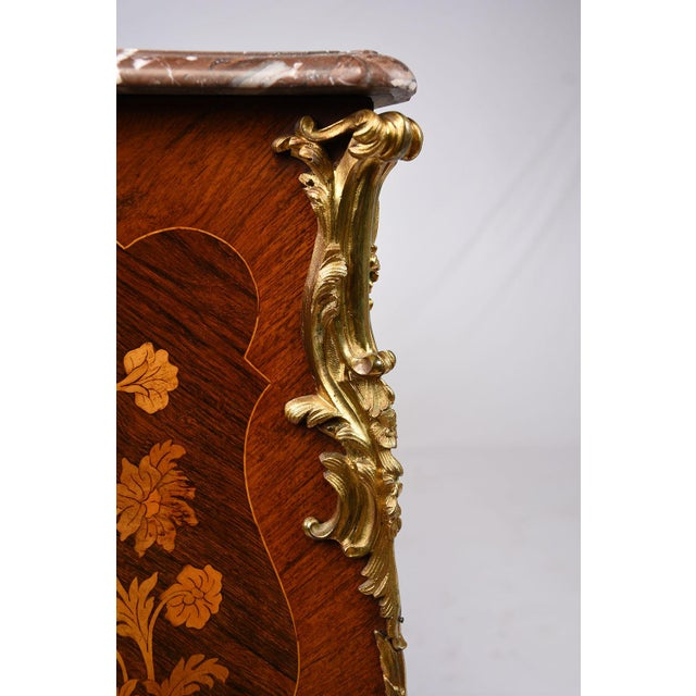 Metal Late 19th Century Louis XV-style Marquetry Chest of Drawers For Sale - Image 7 of 10