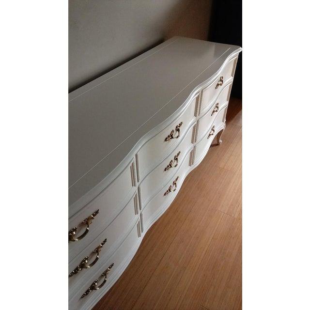 Henredon French Provincial White 9 Drawer Dresser - Image 5 of 7