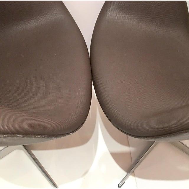 Arne Jacobsen for Fritz Hansen Swivel Swan Chairs - A Pair - Image 5 of 9