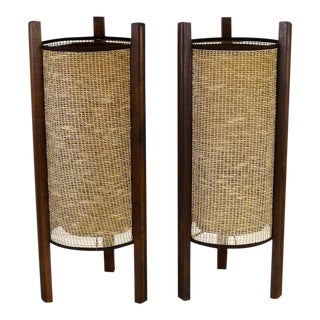 Asian Modern Pair of Table Lamps With Woven Raffia Shade and Wood Three Leg Frame, 1950s - a Pair For Sale