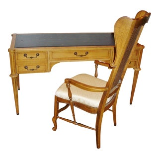 Mid-Century Modern Thomasville Leather Top Desk and Chair - 2 Pieces For Sale