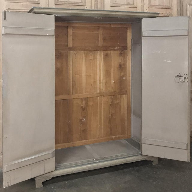 Early 19th Century Italian Neoclassical Painted Armoire For Sale - Image 4 of 13