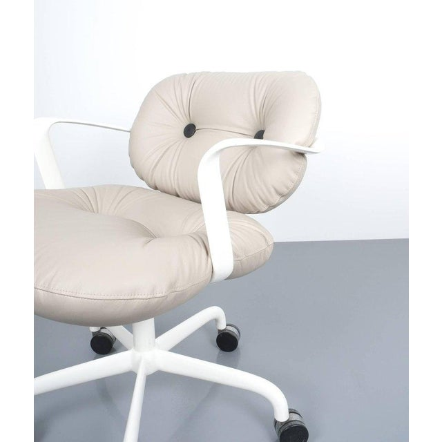 Knoll Andrew Morrison and Bruce Hannah for Knoll Office Chair Beige Leather, 1975 For Sale - Image 4 of 8