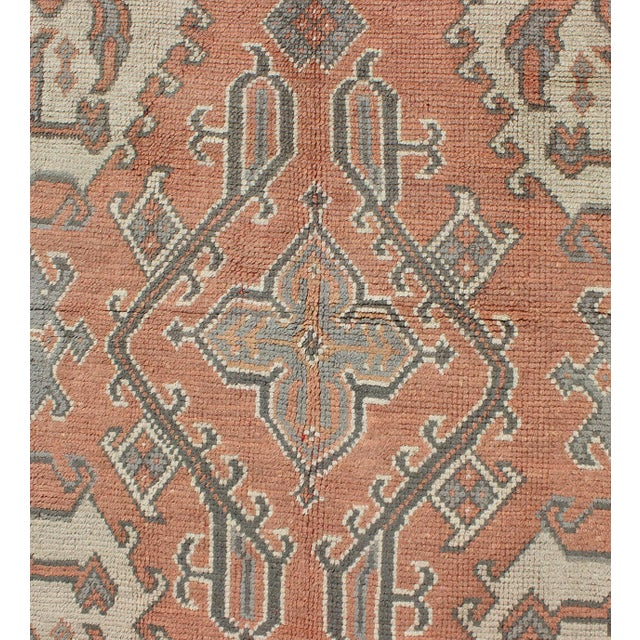Keivan Woven Arts, F-0912, Early 20th Century Antique Turkish Oushak Rug - 5′3″ × 7′10″ For Sale In Atlanta - Image 6 of 8