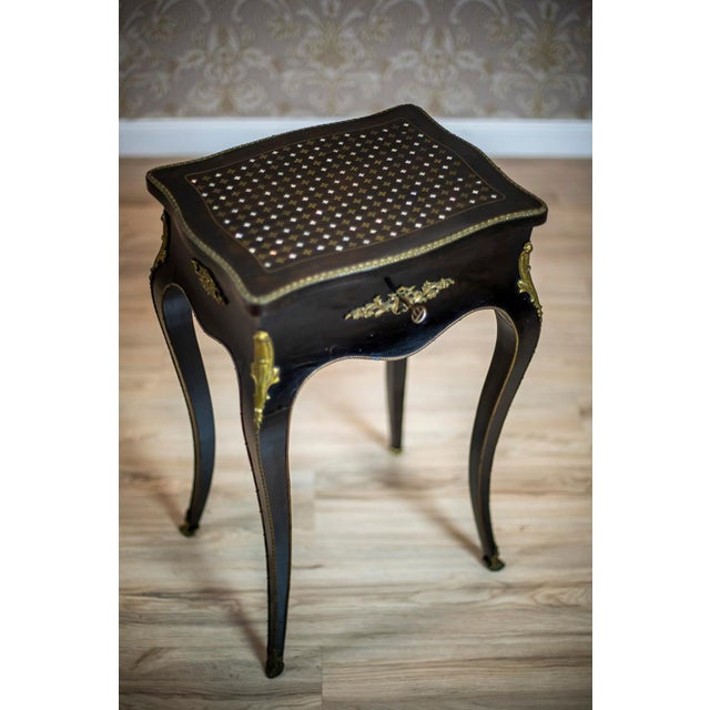 Napoleon III 19th Century Napoleon III Mahogany Sewing Table For Sale - Image 3 of 11