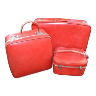 Mid Century Red Luggage, 3 Pieces For Sale