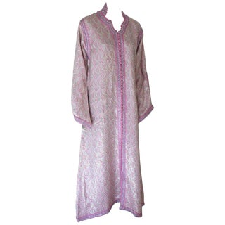 Moroccan Brocade Kaftan Embroidered With Pink and Silver Trim For Sale