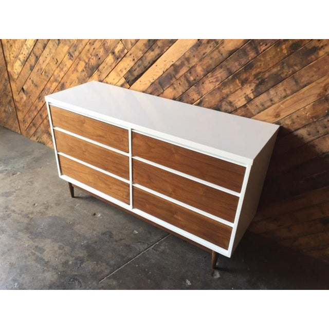 Mid Century Refinished Walnut/White Lacquer 6 Drawer Dresser For Sale - Image 4 of 7
