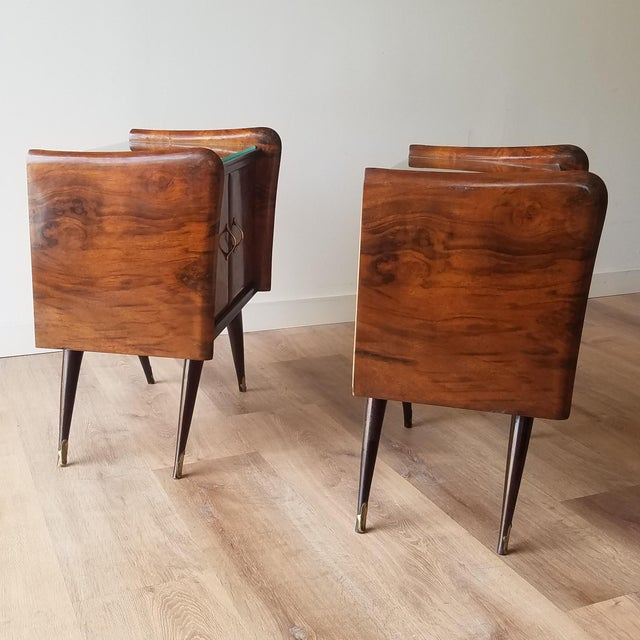 Vittorio Dassi Italian Mid-Century Modern Burl Walnut Nightstands - a Pair For Sale - Image 4 of 13