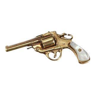 14 Karat Yellow Gold & Mother of Pearl Articulated Revolver Gun Charm Pendent