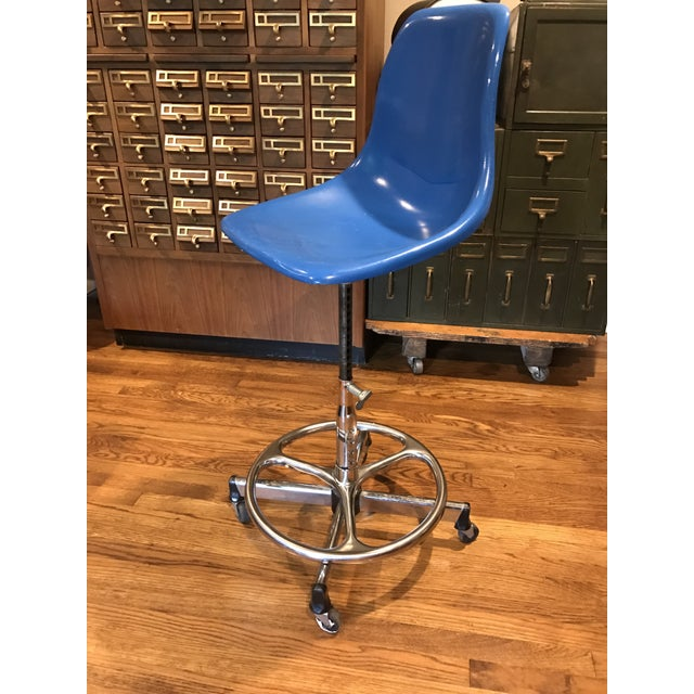 Vintage Architectural Scoop Stools - Set of 5 - Image 3 of 6