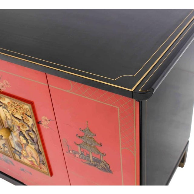 Mid 20th Century Asian Black and Red Lacquer 2-Tone Cabinet Bachelor Chest For Sale - Image 5 of 11