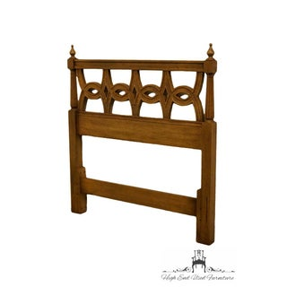 Late 20th Century Thomasville Furniture Belvedere Collection Twin Headboard Preview