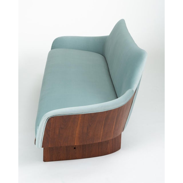 1950s American Made Gondola Sofa in Ice Blue Velvet With Walnut Details For Sale - Image 5 of 13