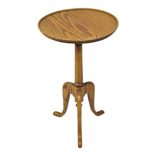 20th Century Queen Anne Oak Pedestal Side Table For Sale
