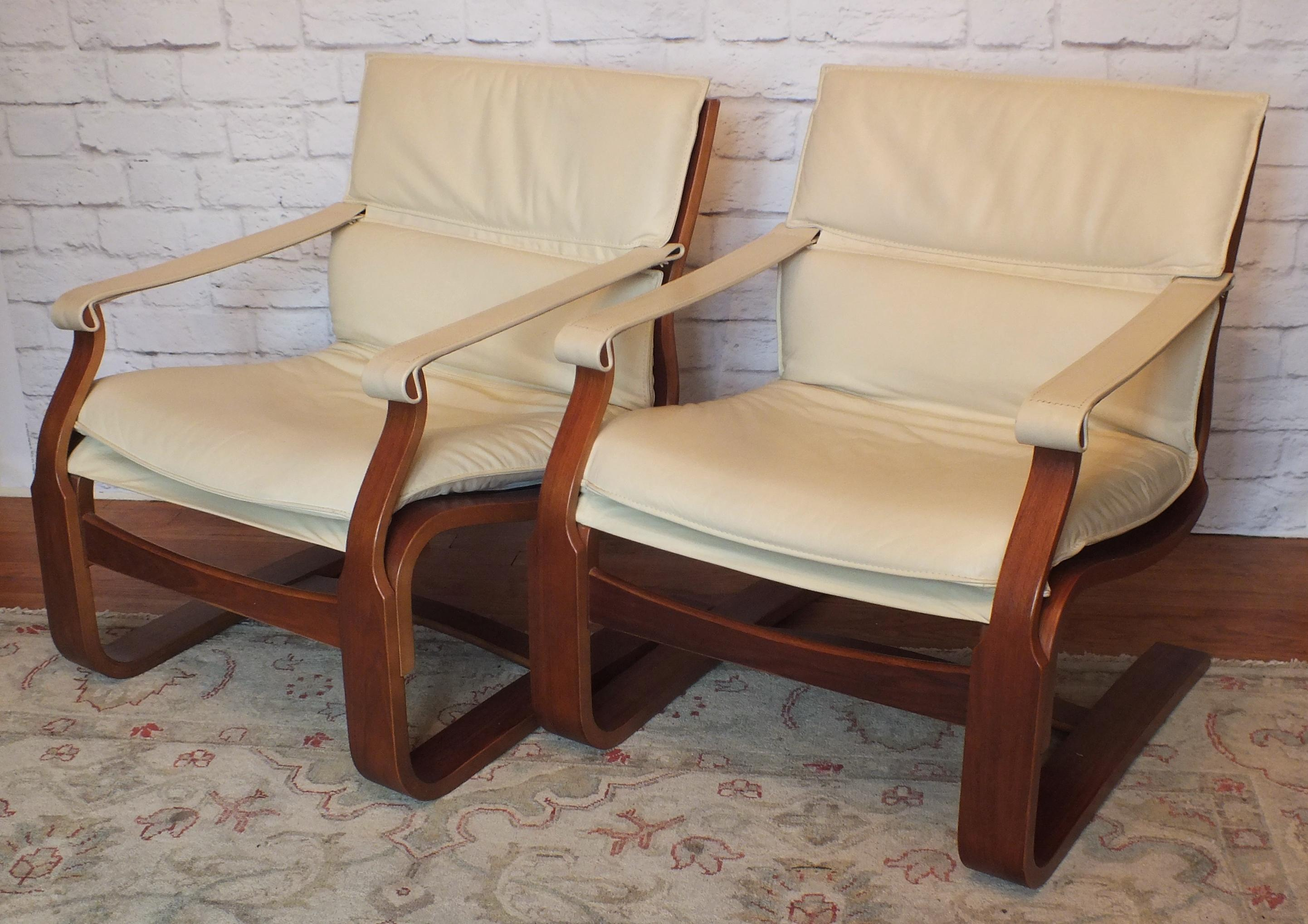Nelo Mobler White Leather Lounge Chairs   A Pair   Image 13 Of 13