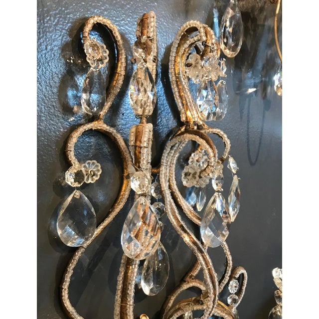 Hollywood Regency Italian Beaded Gold Leaf Sconce For Sale - Image 3 of 8