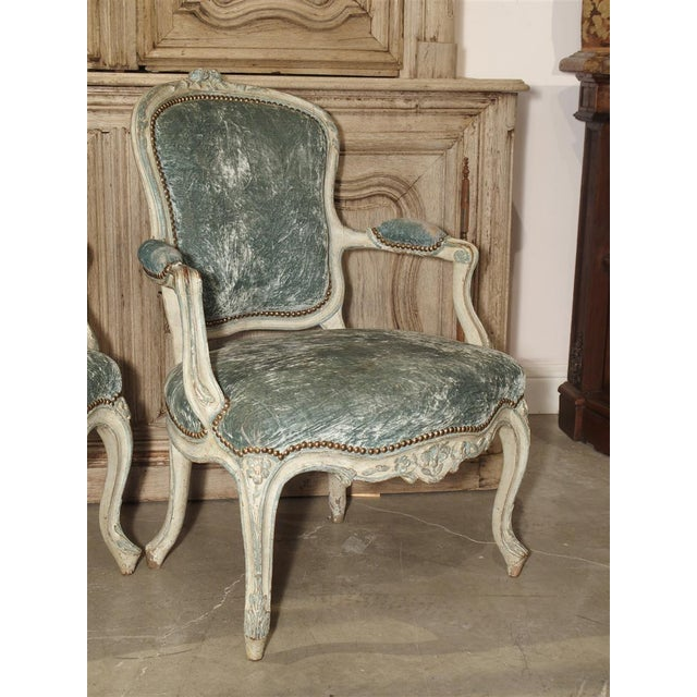 18th Century Pair of Period French Louis XV Blue and Cream Lacquered Cabriolet Armchairs For Sale - Image 5 of 13