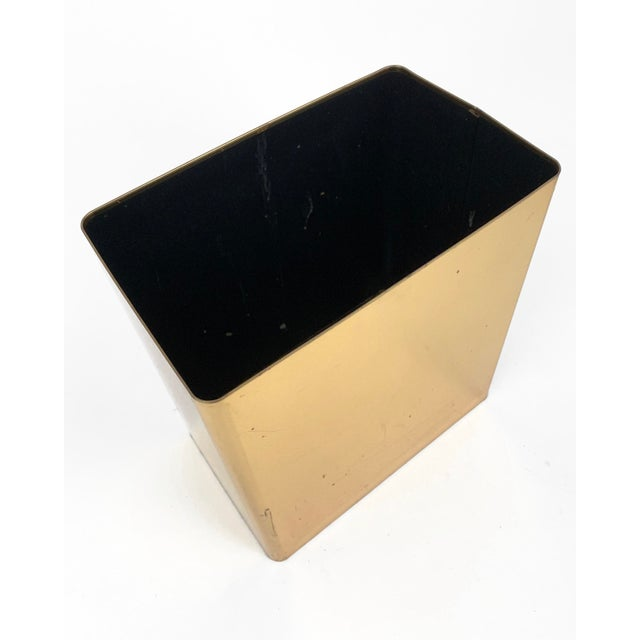 1960s Vintage Mid-Century Modern Brass / Gold Rectangular Waste Basket Trash Can For Sale - Image 4 of 7