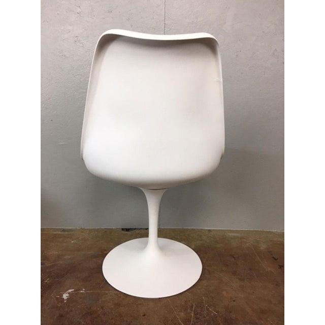 Eero Saarinen Tulip Dining Table & 4 Tulip Chairs Set For Sale - Image 9 of 11