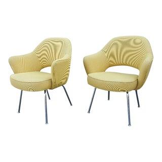 1950s Eero Saarinen for Knoll International Executive Arm Chairs - a Pair For Sale