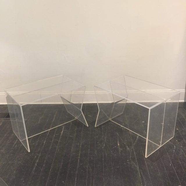 Charles Hollis Jones 1970s Modern Charles Hollis Jones Lucite Side Tables - a Pair For Sale - Image 4 of 10