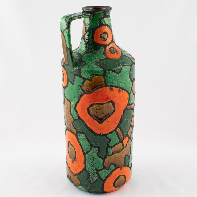Abstract Alvino Bagni for Raymor Orange and Green Vase, Circa 1960s For Sale - Image 3 of 9