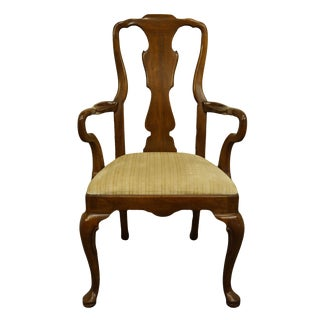 Late 20th Century Henredon Furniture Morganton, Nc Traditional Queen Anne Style Dining Arm Chair For Sale