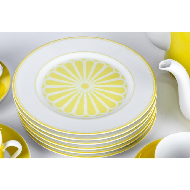 Mid Century Lemon Porcelain Luncheon Service - Set of 30 For Sale In New York - Image 6 of 7