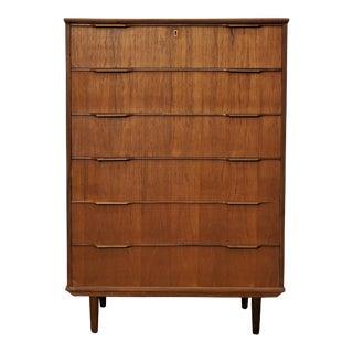 Original Danish Modern Teak Large Dresser - Hundredeogelle For Sale