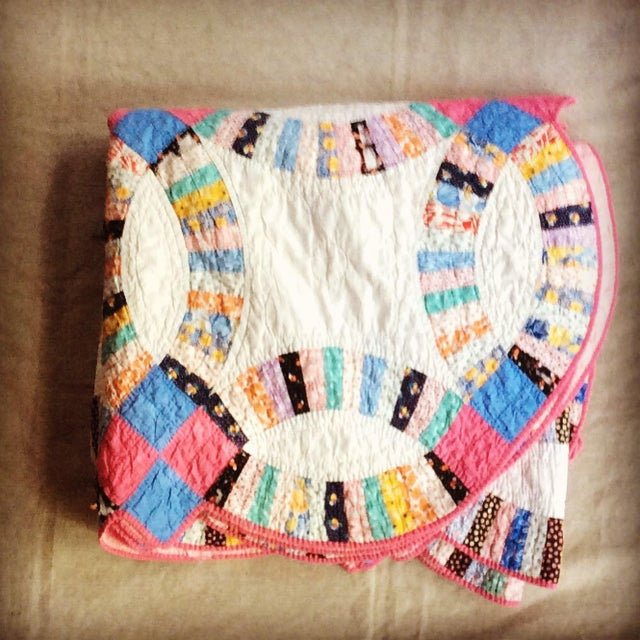 1920 S Cottage Double Wedding Ring Quilt
