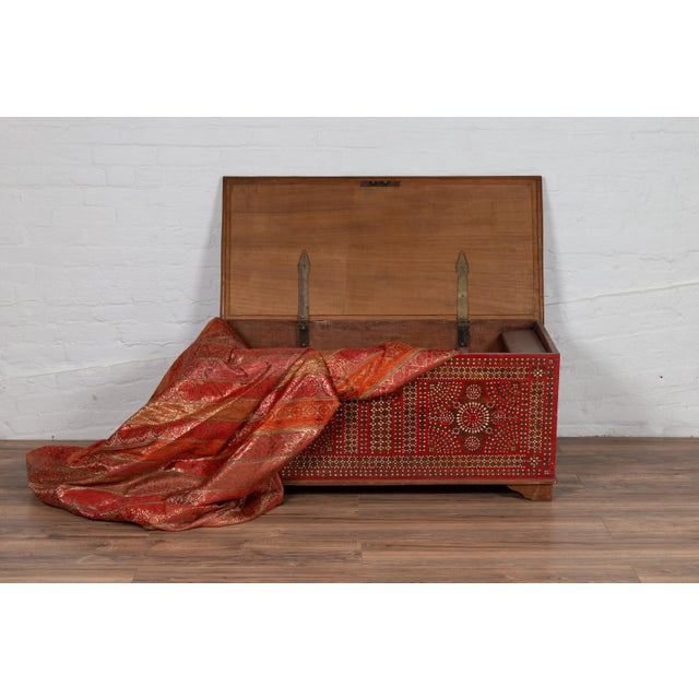 White Antique Madura Blanket Chest With Inlaid Mother-Of-Pearl Red Geometric Decor For Sale - Image 8 of 13