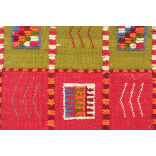 """Type of Rug : Aknif Dimensions : 1'11"""" x 4'11"""" feet / 60 x 150 cm Material : 100% wool Country of Origin : Morocco"""