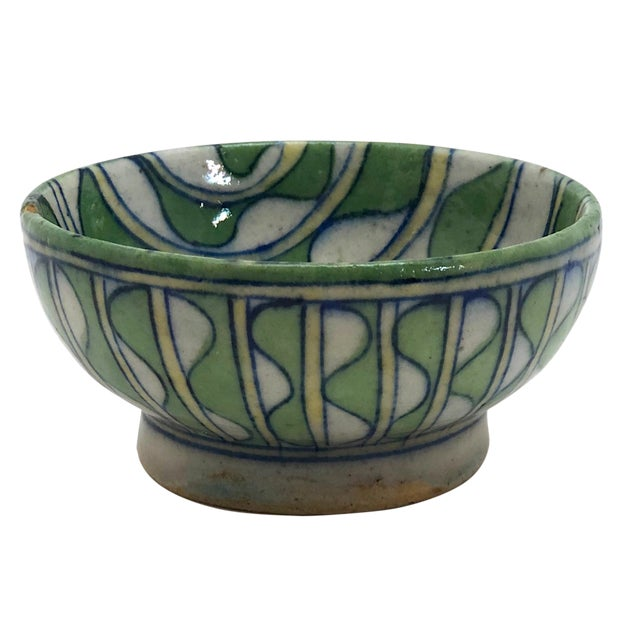 Early 20th Century Green and White Patterned Tin Glazed Small Ceramic Bowl For Sale