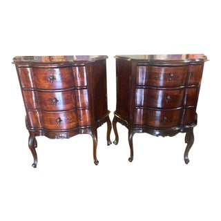 18th Century Italian Walnut 3 Drawers Commodes - a Pair For Sale