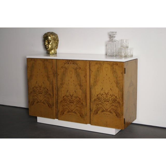 Milo Baughman Burl Wood 2-Tone Credenza Buffet For Sale - Image 4 of 11