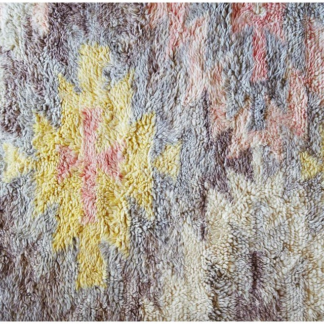 Hand tufted of 100% wool, this rug features a medallion motif in a modern pastel palette. Its lush pile and hand-braided...