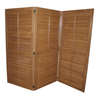 Unique Slatted Screen