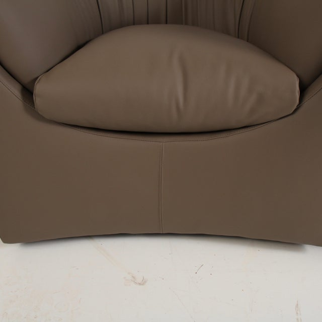 Baker Furniture Company John Saladino for Baker Leather Lounge Chairs For Sale - Image 4 of 12