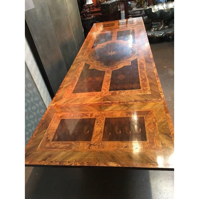 Georgian English George III Marquetry Extendable Dining Table For Sale - Image 3 of 10