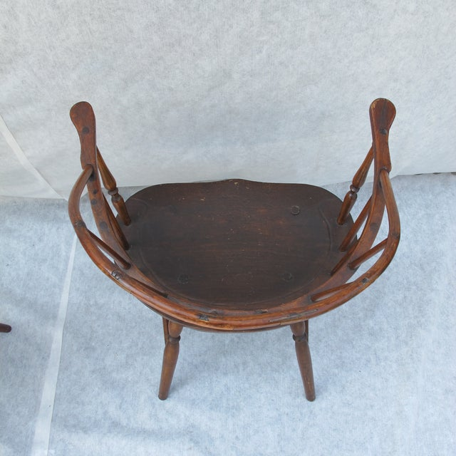 New England Bow-Back Windsor Arm Chair - Image 7 of 8