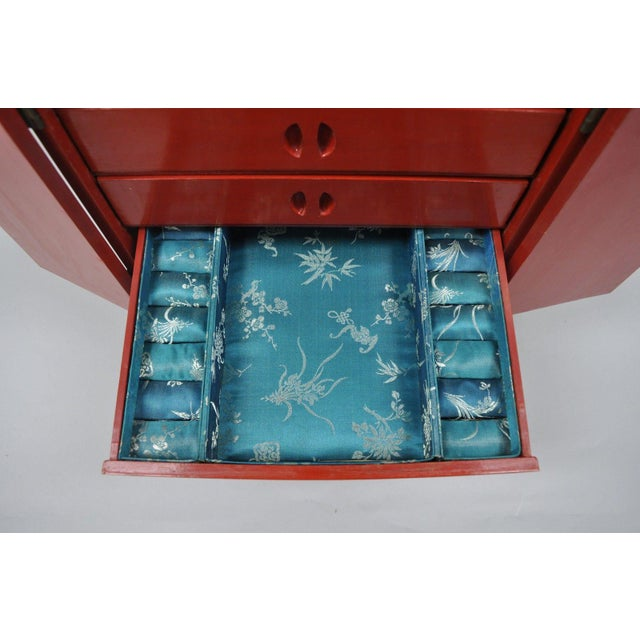 Mid 20th Century Vintage Red Lacquer Chinese Jewelry Trinket Box For Sale - Image 5 of 13