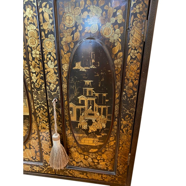 19th Century Black and Gold Chinoiserie Chest For Sale In Dallas - Image 6 of 8