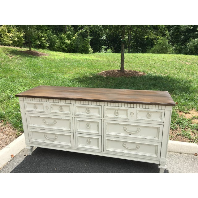 1960s Thomasville Walnut 9-Drawer Triple Dresser and Nightstand - Set of 2 For Sale - Image 5 of 13
